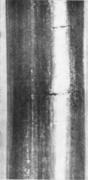Поперечные трещины на поверхности пружинной стальной проволоки